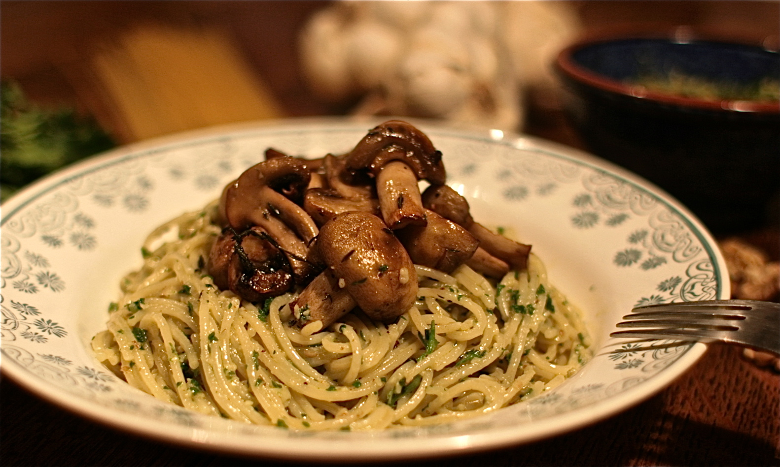 Stilton, Walnut and Parsley Pesto Spaghetti with Roasted Thyme and ...
