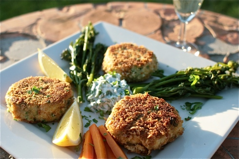 Smoked Salmon Fishcakes with Herby Mayo, Lemon Wedgies and Steamed PSB and Carrots.
