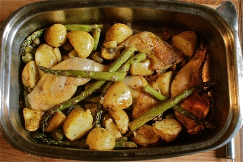 Chicken, Asparagus & New Potato Traybake