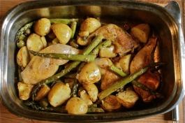 Chicken, Asparagus & New Potato Traybake